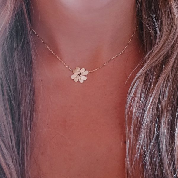 Personalized Flower Necklace with Engraved Names in Gold Plated Silver