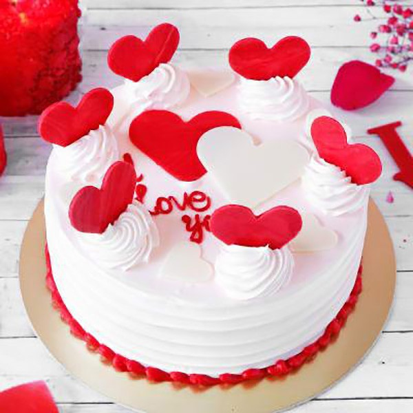 Valentine Fondant And Buttercream Cake Topped With Heart Crispy Popper 2Kg