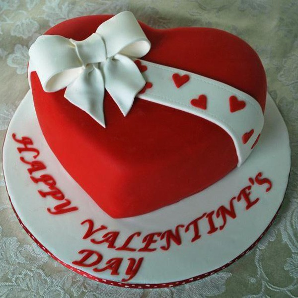Valentine Heart Fondant And Buttercream Cake 2.5Kg